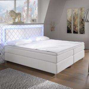 Čalouněná manželská postel Korina