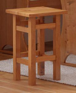 Dřevěný taburet Henrik