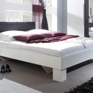 Manželská postel s nočními stolky Veria boc